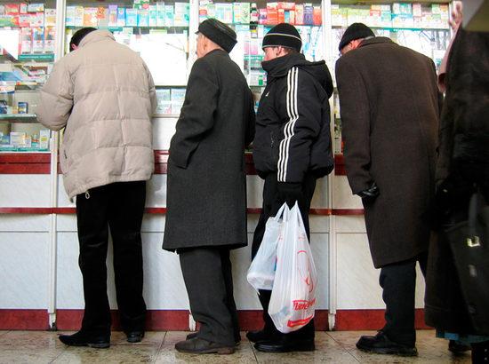 Россияне залили коронавирус боярышником: резко выросли продажи спиртовых настоек