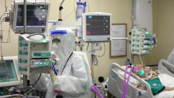 В России 53 медучреждения перепрофилировали под пациентов с COVID-19