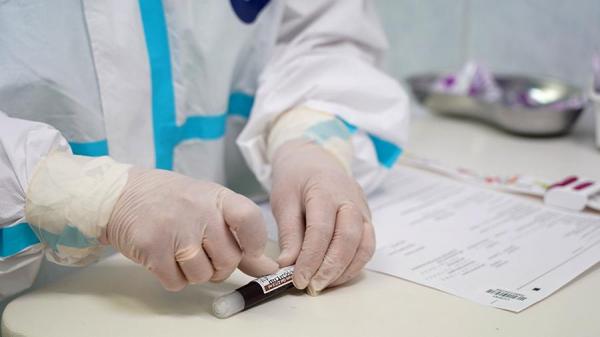 Более половины проверившихся на антитела к коронавирусу оказались женщинами