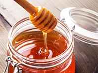 Исследователи: медовая терапия работает лучше таблеток, если у вас кашель и насморк